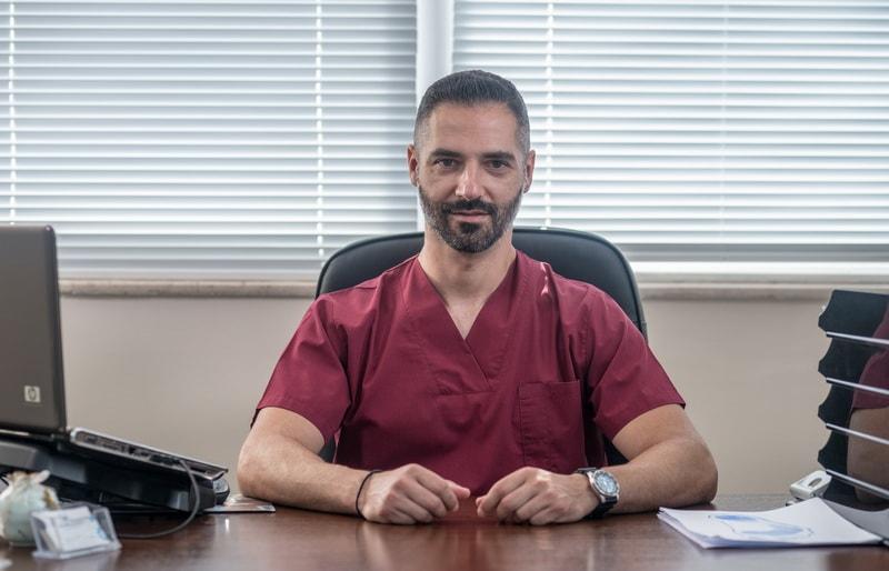 Φυσικοθεραπευτής Σταυρος Σάββαρος